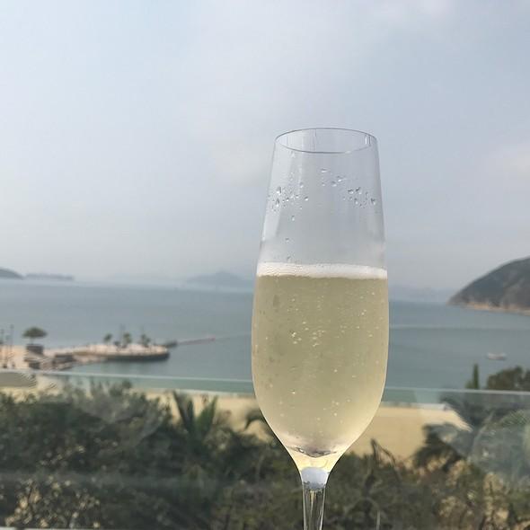 G.H.Mumm Champagne @ Cabana Repulse Bay