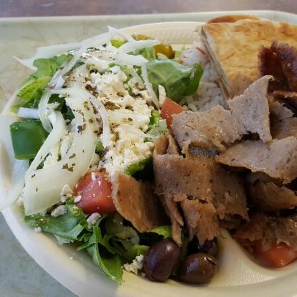 Gyros Plate - Meat, Pita, Tomato, Onion, Tzatziki, & Fries