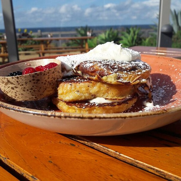 Cinnamon Roll French Toast @ Nelson's