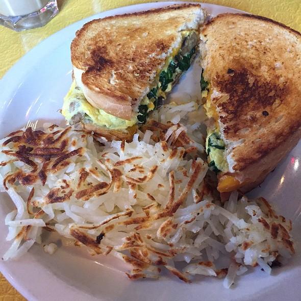 Low Rider - Veggie Grilled Egg Sandwich