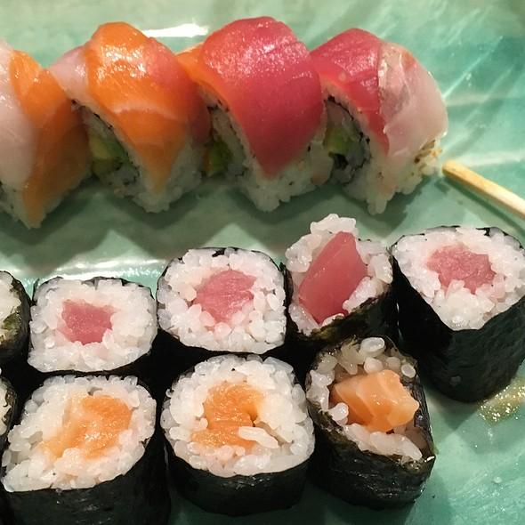 Wasabi japanese restaurant sushi bar rainbow for Asia sushi bar and asian cuisine mashpee