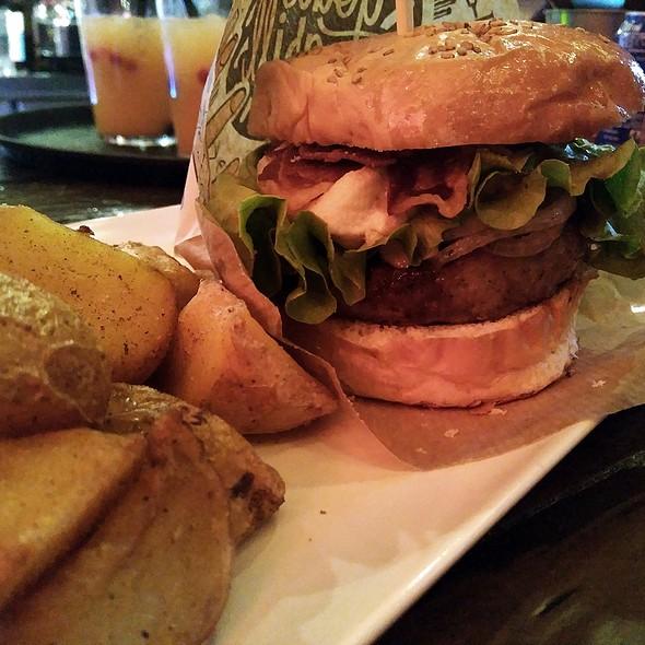 O'Connor burger @ Goiko Grill