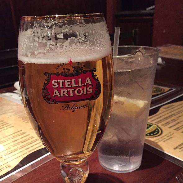Stella @ Fat Squirrel Pub & Grille