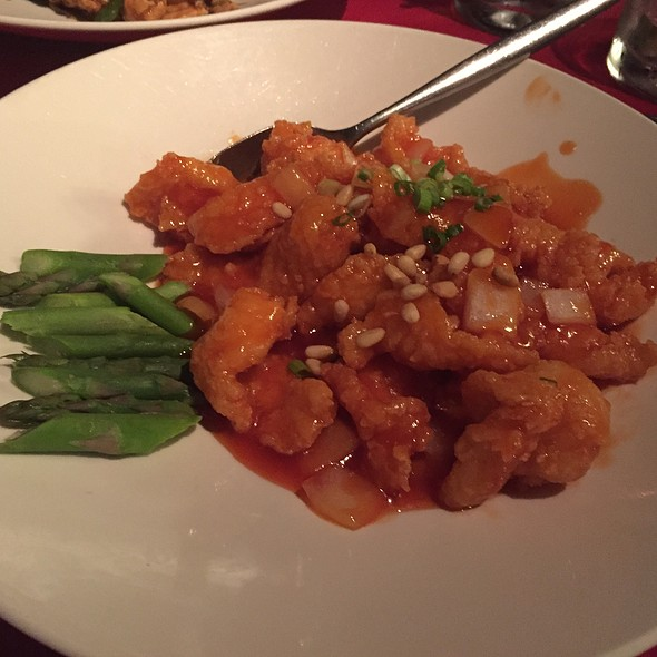 Deep-Fried Halibut With Tomato Sauce