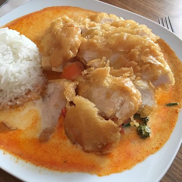 Fried Chicken w Thai Curry @ Sen