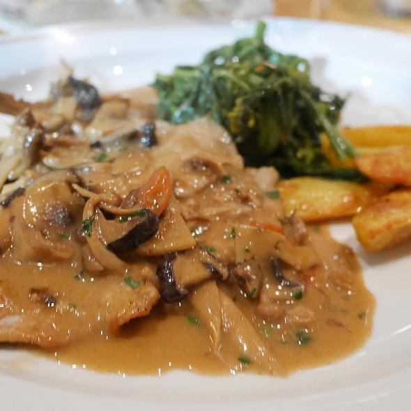 Scaloppine With Mushrooms @ La Ruchetta