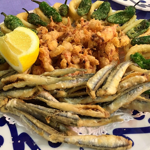 Fried Anchovies With Baby Squid