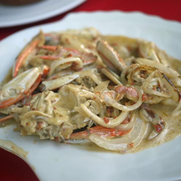 Crab Enchilpayadas @ Restaurante el Fish Fritanga