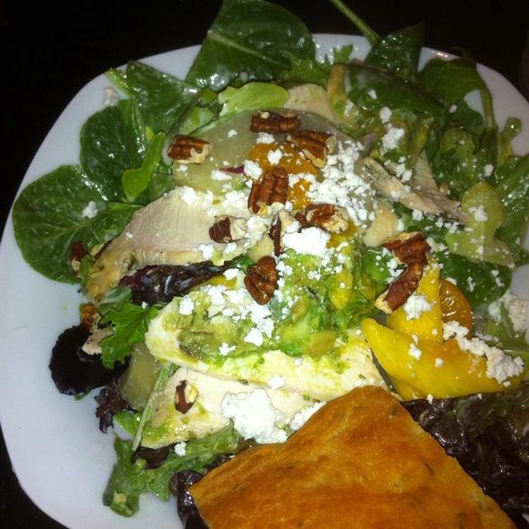 Sonoma Goat Cheese Salad @ Lettuce