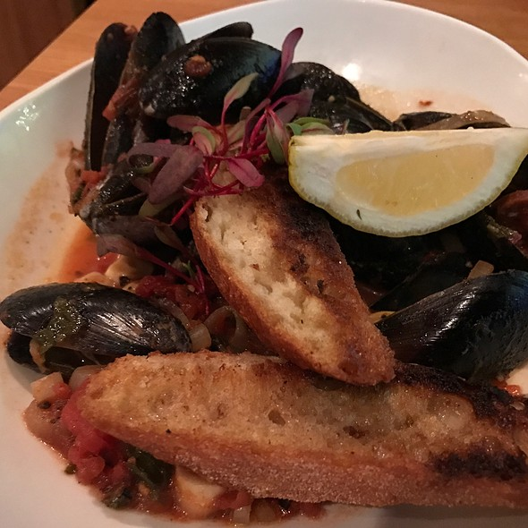 Mussels With Chorizo And Saffron
