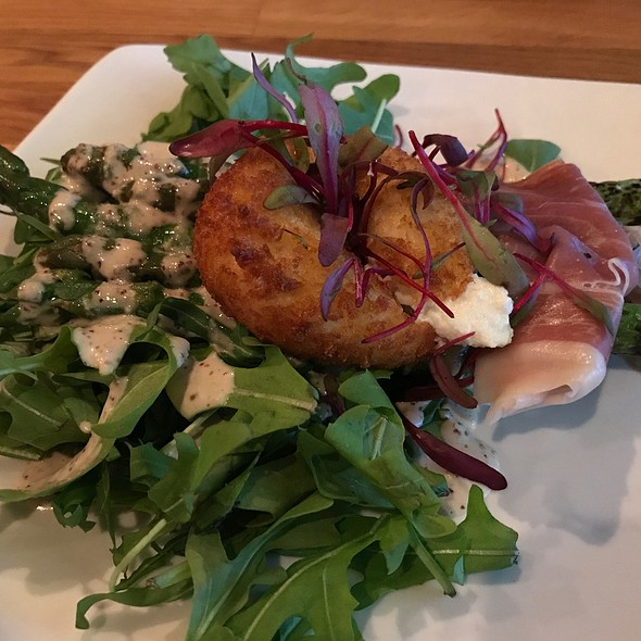 Asparagus Salad With Crispy Goat Cheese
