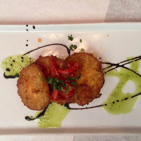Fried Green Tomatoes With Goat Cheese And Red Pepper Jam