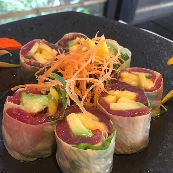 maui wowee @ Banzai Sushi Bar