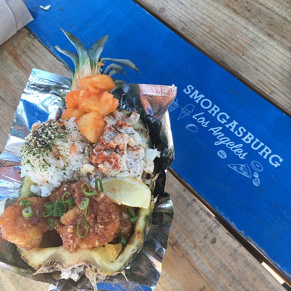Garlic Shrimp Pineapple Bowl @ Smorgasburg La