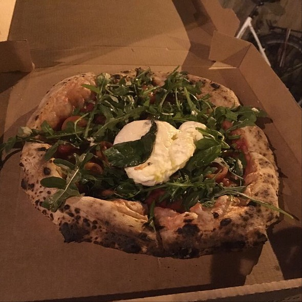 Pizza Burratissima @ Iovine @ Holy Food Market Gent