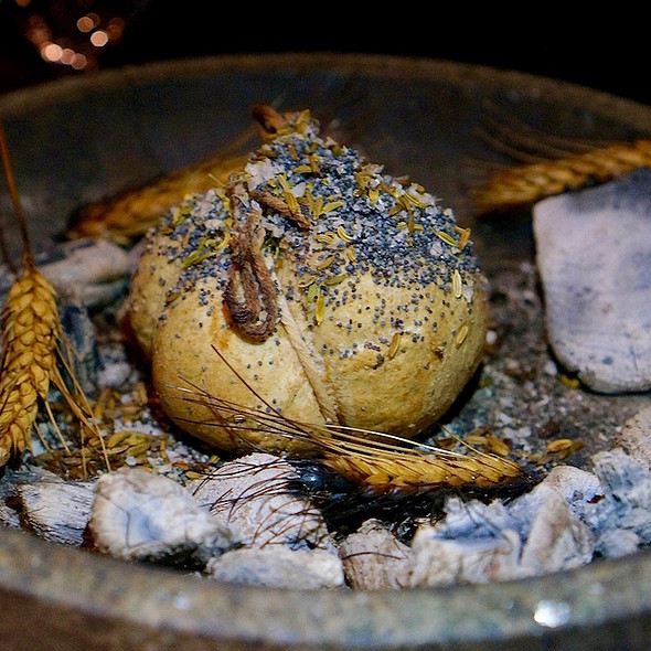 Panem – beef fat, poppy, fennel seed, Murray River salt bread @ Next Restaurant