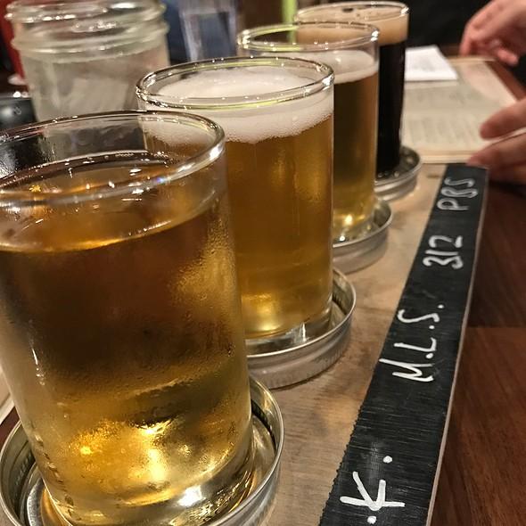 Beer Flight @ Eating House 1849 Kapolei