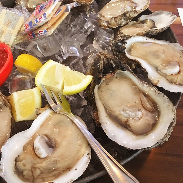 Gulf Oysters @ Station 6