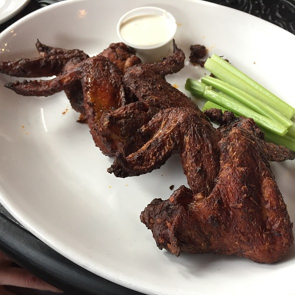 Smoked Chipotle Chicken Wings @ Smoke On The Water
