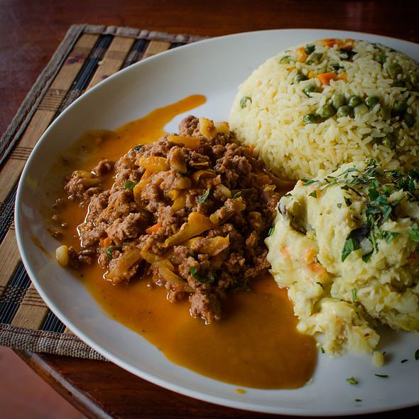 Carne Molida con mash y arroz @ Villa Strelitzia