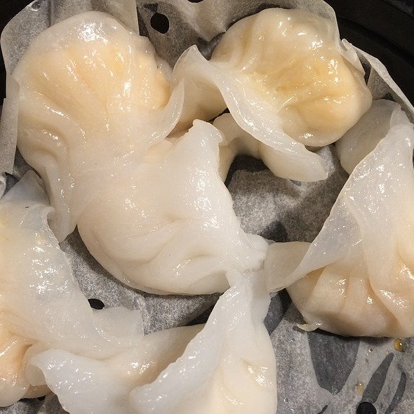 Steamed Shrimp Dumplings @ Dumpling Palace