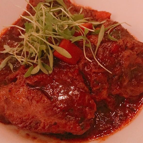 Veal Cheeks Slow-Cooked In Rioja Red Wine