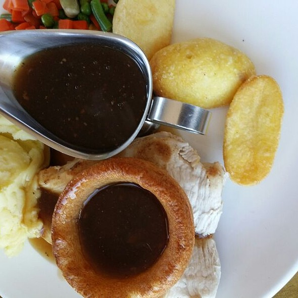 Roast Chicken Dinner With Stuffing, Yorkshire Pudding & Gravy,  Mixed Vegetables, Mashed Potatoes & Roast Potatoes