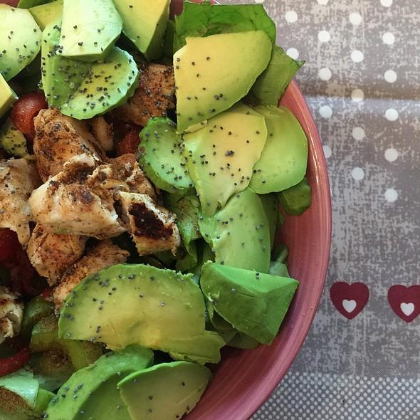 Mixed Salad with Avocado @ ./lsd Cooking Pot