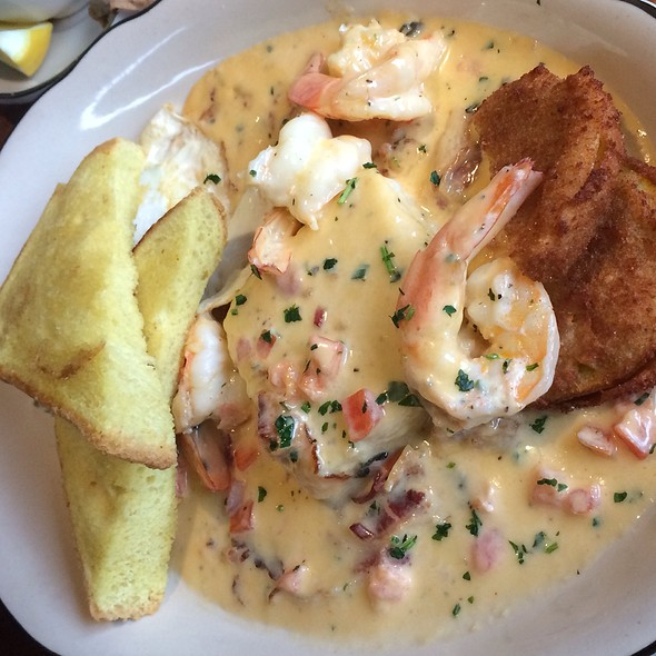 Shrimp and Grits @ The Old Causeway