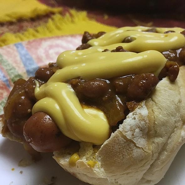 Chili Cheese Dog @ La Comida De Mi Casa