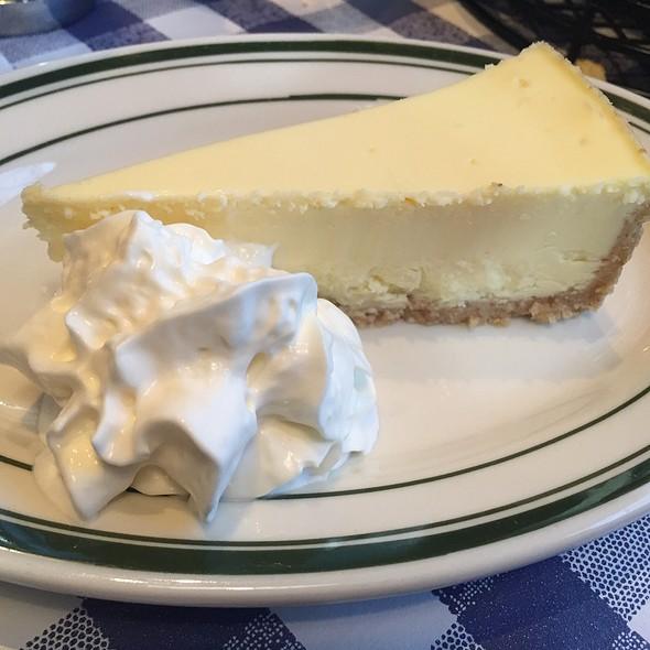 New York Cheesecake @ Bill's Bar & Burger - Rockefeller Center