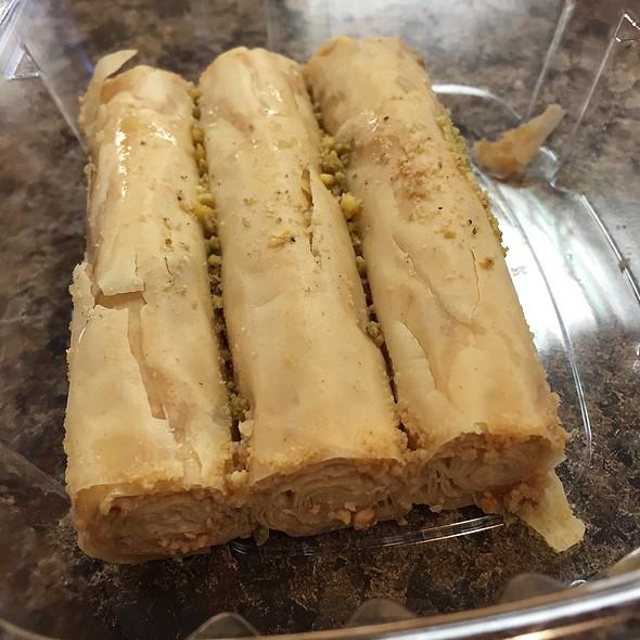 Little Baklava Rolls