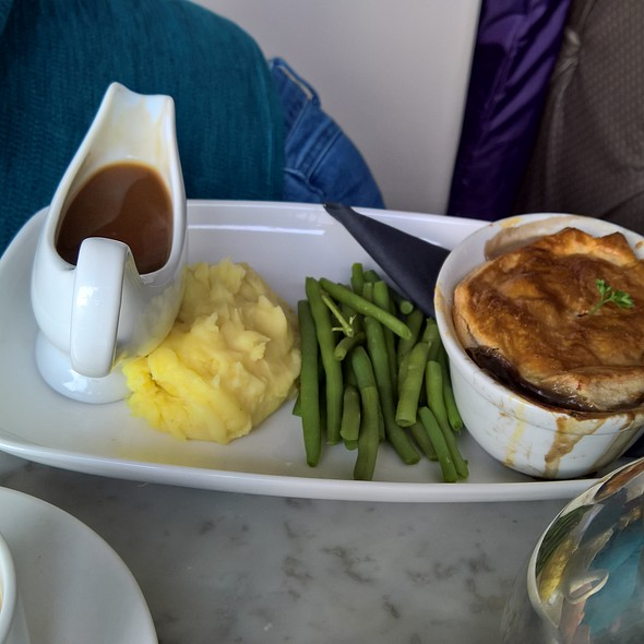 Chicken & Mushroom Pie with Mashed Potato and Green Beans