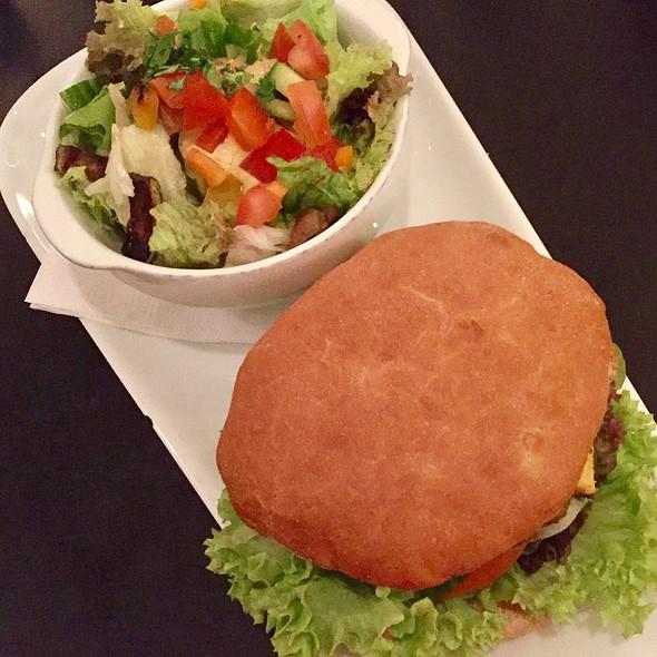 Chili-Cheeseburger