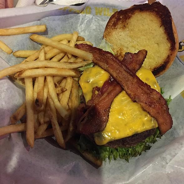 Cheeseburger @ Buffalo Wild Wings Grill & Bar