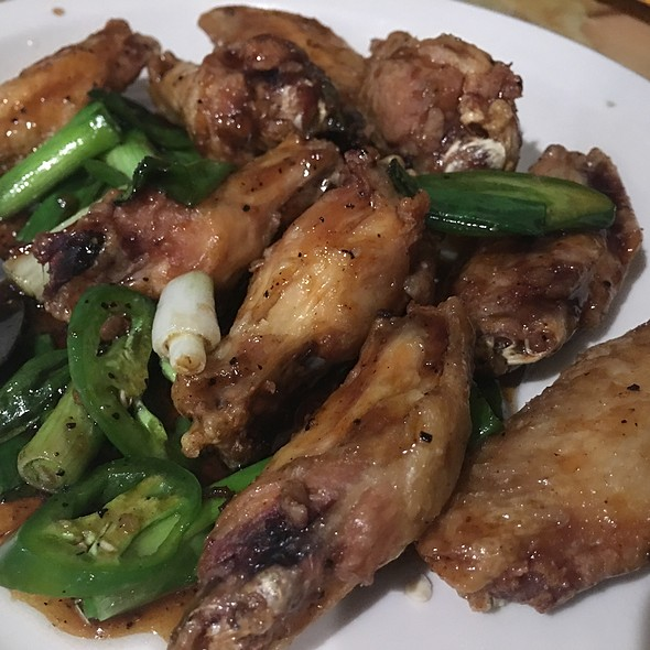 Phnom Penh Deep-Fried chicken Wings