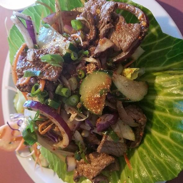 Tiger In Tear Beef Salad