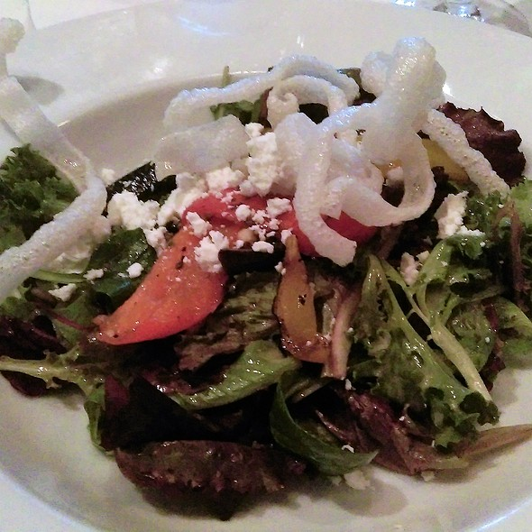 Spring Mix Salad in Balsamic Vinaigreet with Grilled Vegetables & Goat Cheese