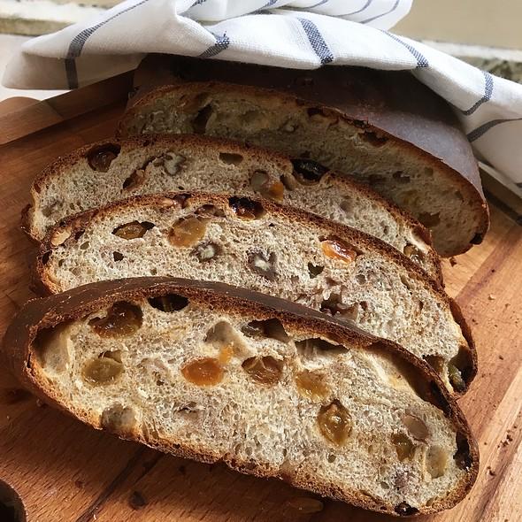 Cinnamon Raisin Nut Bread @ HAFH
