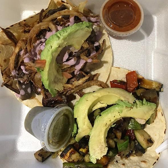 vegan tacos @ Rockin' Taco