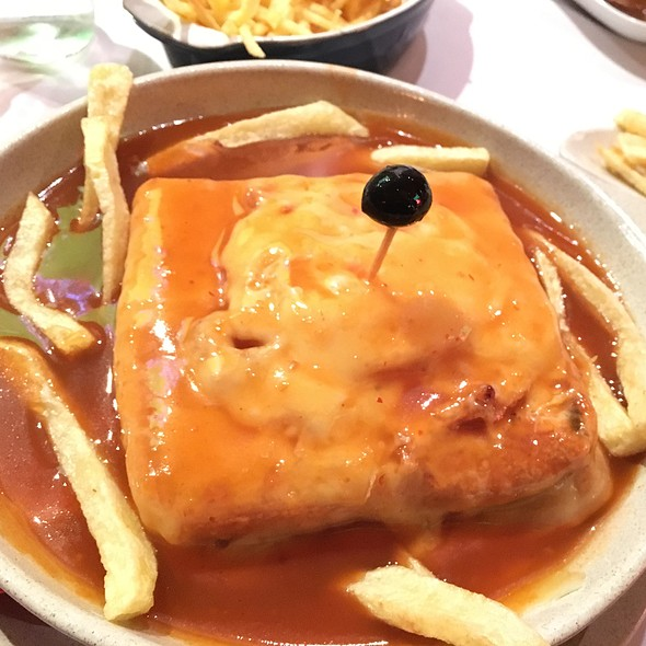 Francesinha @ Casa Do Leme