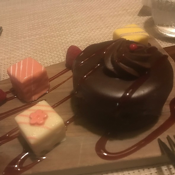 Flourless Chocolate Cake And Petit Fours @ DISTRICT
