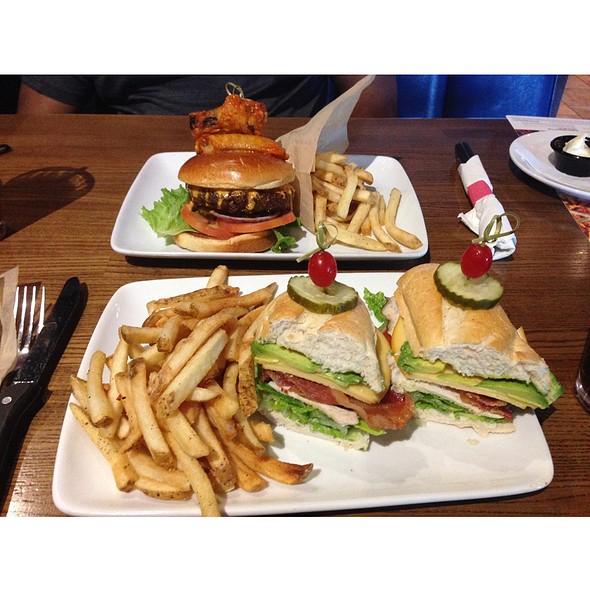 California Chicken Club & Buffalo Wingman Burger