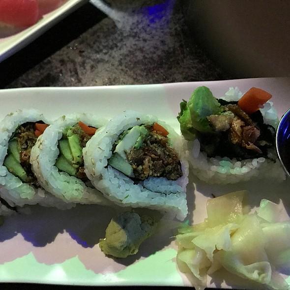 Salmon Skin Cutroll @ Hanabishi Izakaya & Sushi Bar