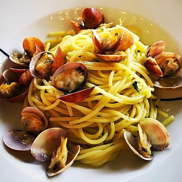 Spaghetti Vongole @ Paper Moon