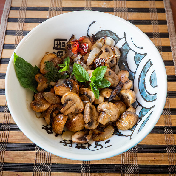 Stir Fried Mushrooms @ Villa Strelitzia