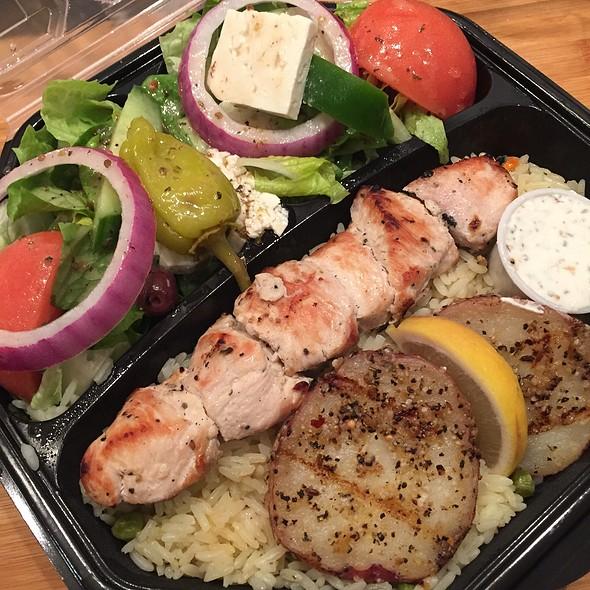 Chicken Souvlaki Platter @ Greek On Wheels