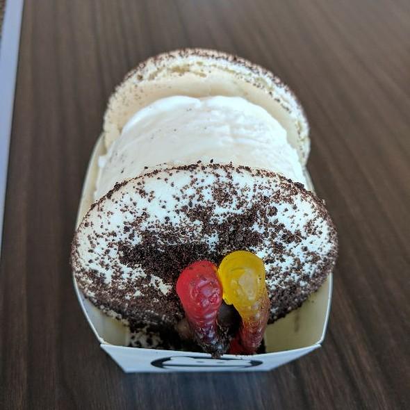 Macaron Vanilla Ice Cream Sandwich