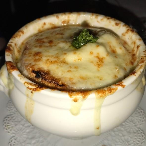 Vidalia Onion Soup @ Bar Americain