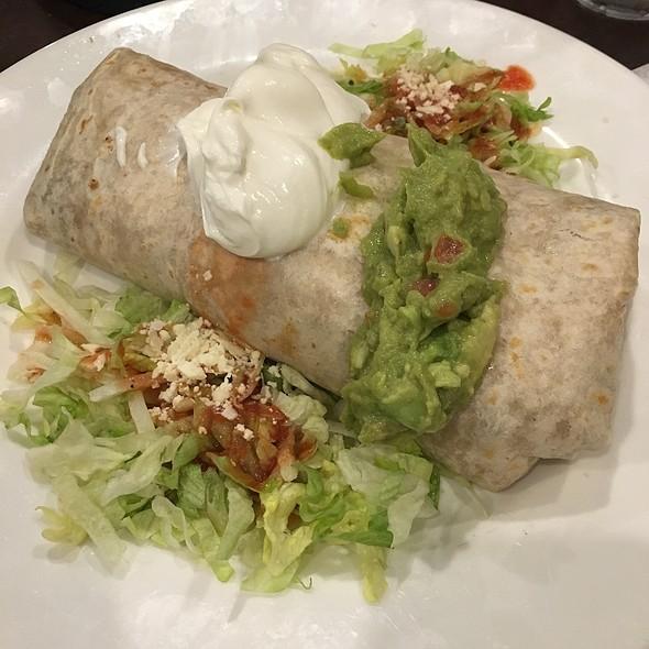 Super Burrito @ La Piñata